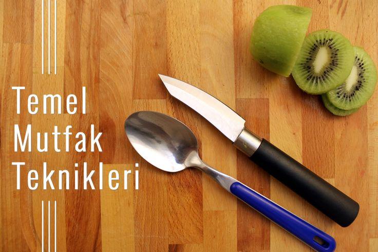 Kiviyi kolayca nasıl soyabilirim?  Cevabı için Temel Mutfak Teknikleri kursumuzun Meyveler bölümüne göz atın. Tamamen ücretsiz! http://www.hobiyo.com/kurslar/temel-mutfak-teknikleri-k1