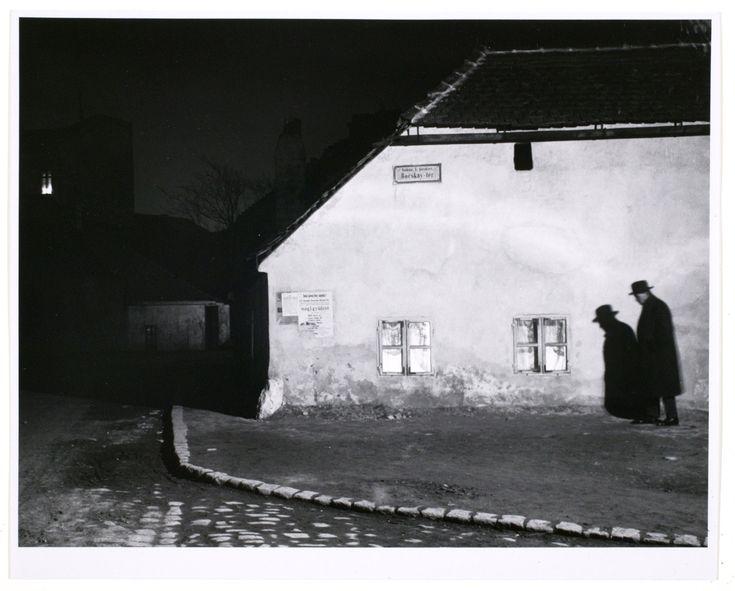 André Kertész, Bocskay Tér, Budapest, 1914