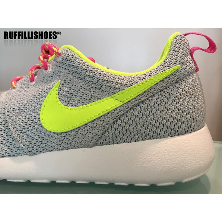 Nike Rosherun www.ruffillishoes.com