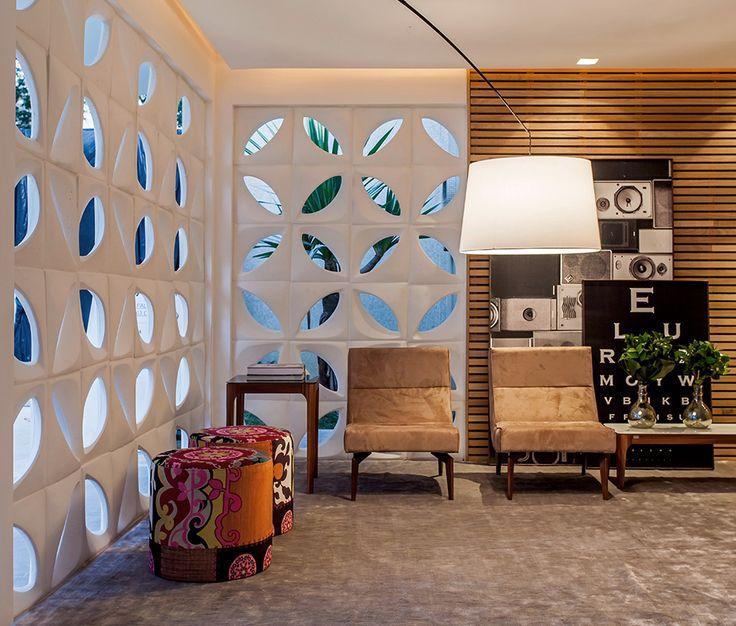 25 melhores ideias sobre ripas de madeira no pinterest for Kimberly hall creative interior design