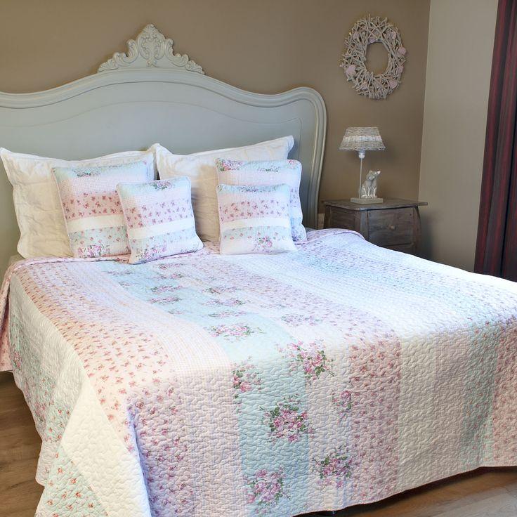 bedsprei met roze en blauwe roosjes 140 x 220 cm - 8717459394872 - Avantius