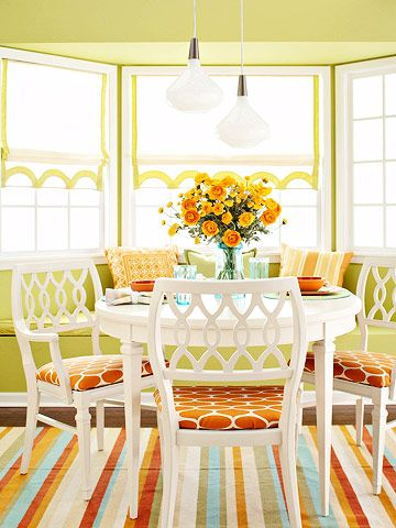 Bright and lovely dining room color scheme.