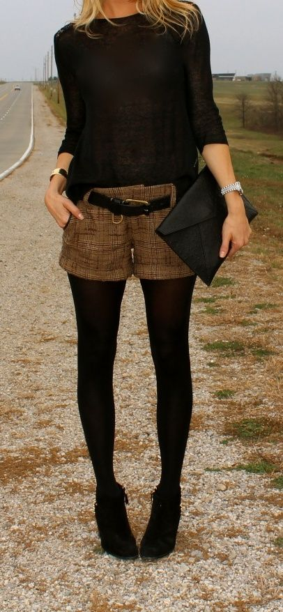 Shorts + feste Strumpfhose.