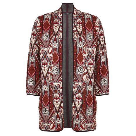 Kimono v rudých podzimních barvách je žhavým kouskem sezóny.