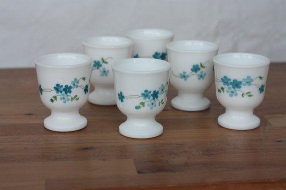 Coquetiers anciens Arcopal Veronica Myosotis bleus - Milk Glass 1970 - Vintage Français -  Marius et Jeannette vintage