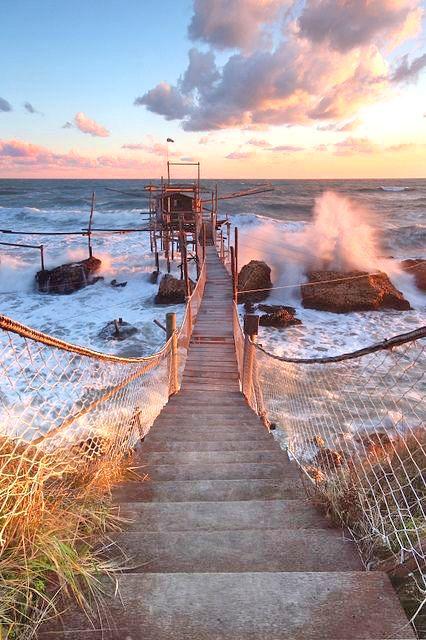 #puntaderci #riservanaturale #vasto #italy #beauty #beachday #sea #trabocco #nofilter #puntadercivasto #lutravocc #loveabruzzo #sky #amazing #immobiliarecaserio #exclusiveproperty