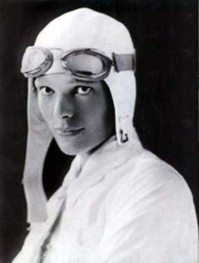 Amelia Earhart: Ameliaearhart, Atlantic Ocean, Famous People, Woman, American Aviator, Photo, Amelia Earheart, Flying Solo, Amelia Earhart