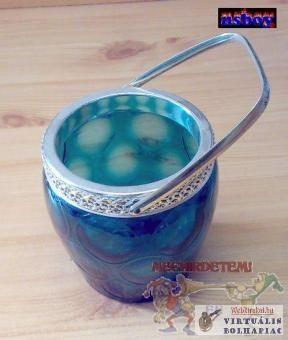 Jégkocka tartó kosár üvegből.