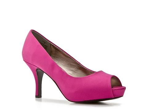 Steve Madden Pumps from DSW. $49.95 - I wonder if i can bedazzzle these?!?!