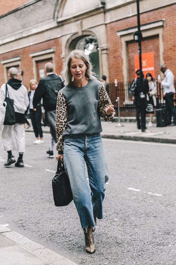 How to: Make Sweatshirts Chic Step by Step Guide