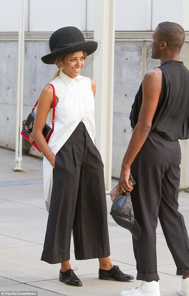 Kat Graham is ultra-chic in big bowler hat out in NYC | Daily Mail Online
