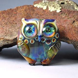 glass owl bead by Georgie Field (theglassowl.blogspot.com)