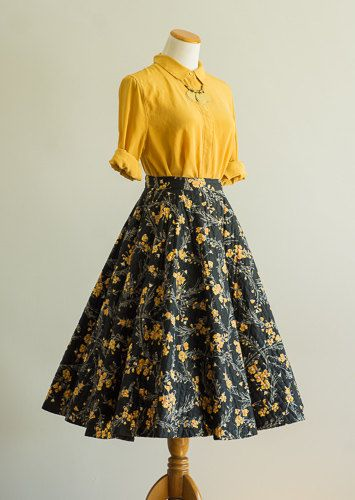 vintage 1950s skirt / 50s quilted circle skirt / small-medium / Waxflower Skirt
