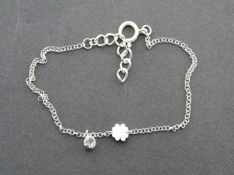 clover/topaz bracelet
