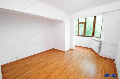 Vanzare apartament 2 camere dec. in Galati, Siderurgistilor, etaj intermediar, stradal