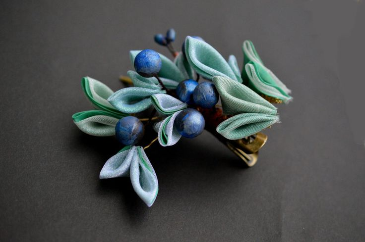 Juniper Kanzashi: Winter evergreen with berries. by hanatsukuri.deviantart.com on @DeviantArt