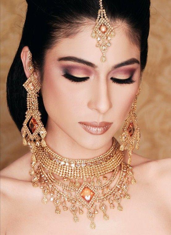 25 Best Ideas About Indian Wedding Makeup On Pinterest
