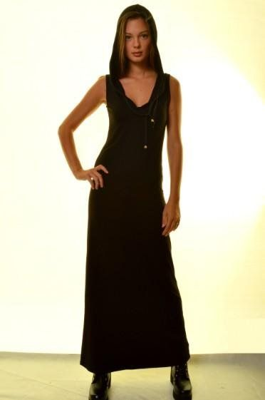 Γυναικείο φόρεμα maxi με κουκούλα 21,60€ https://www.rouhomania.gr/gynaikeia/foremata/gynaikeio-forema-maxi-me-koykoyla
