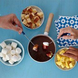 25 Best Ideas About Chocolate Fondue Bar On Pinterest