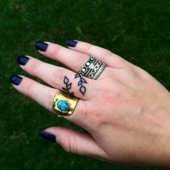 Wrapping Vine Finger Tattoo Design