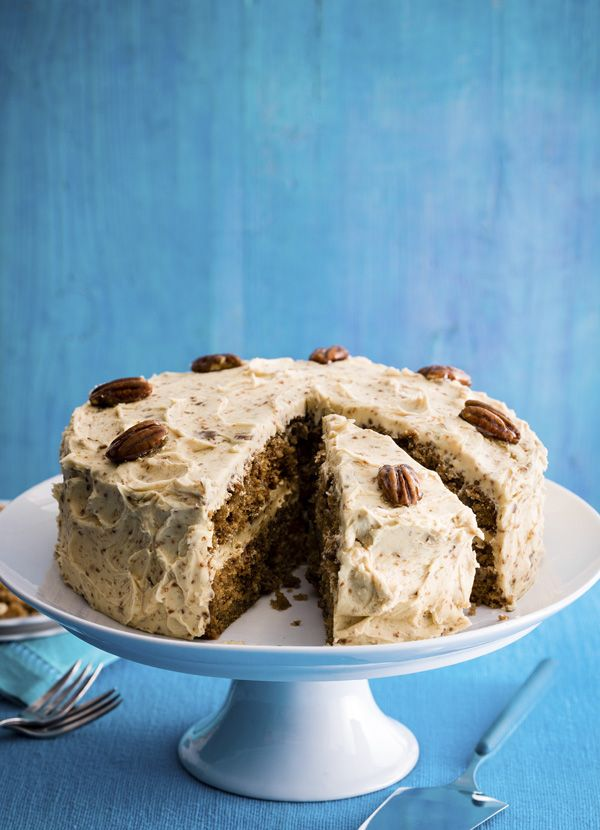 Coffee cake with pecan brittle: Classic coffee cake is one of our all-time favourite afternoon treats. In this recipe, we've given it a modern twist to include deliciously crunchy pecan brittle.