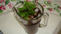 Iced Tea with Vanilla and Fresh Mint: Summer Drinks
