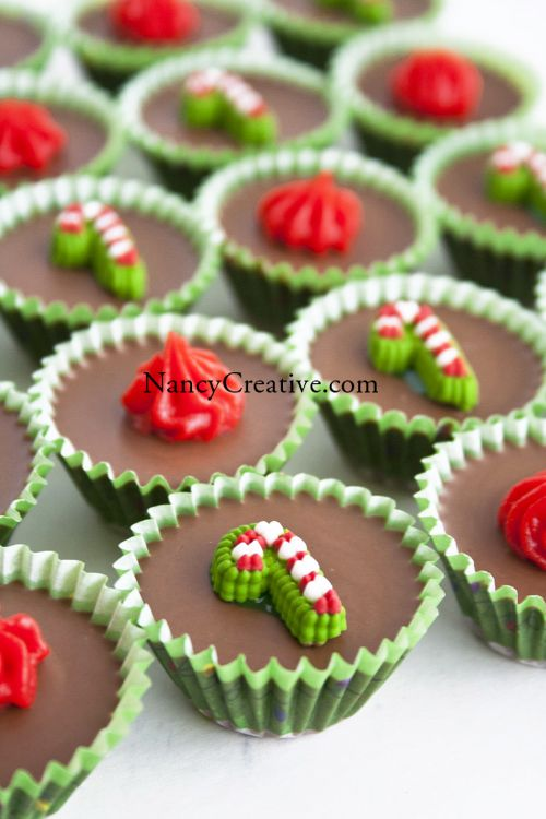 If you are looking for quick and easy recipes for holiday sweets, this is one you'll want to try out! There are just 4 simple ingredients: white chocolate (or vanilla) baking chips, dark chocolate...