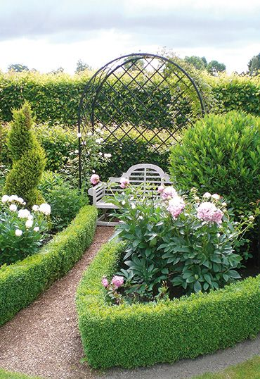 Roman Arbour Villandry - Rose Arbours - www.classic-garden-elements.co.uk - Garden-Obelisks, Rose Arches, Rose Arbours, Trellises and Planters