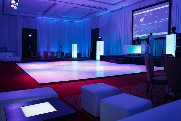 Nuestro Centro de Convenciones fue diseñado para transformarse en hasta 32 salones y dos grandes salones de baile. Todas las áreas para reuniones están totalmente equipadas con lo último en tecnología, incluyendo Internet inalámbrico de alta velocidad, videoconferencias y proyectores LCD. #GVRivieraMaya #GrandVelas #VelasMeetings #VelasResorts