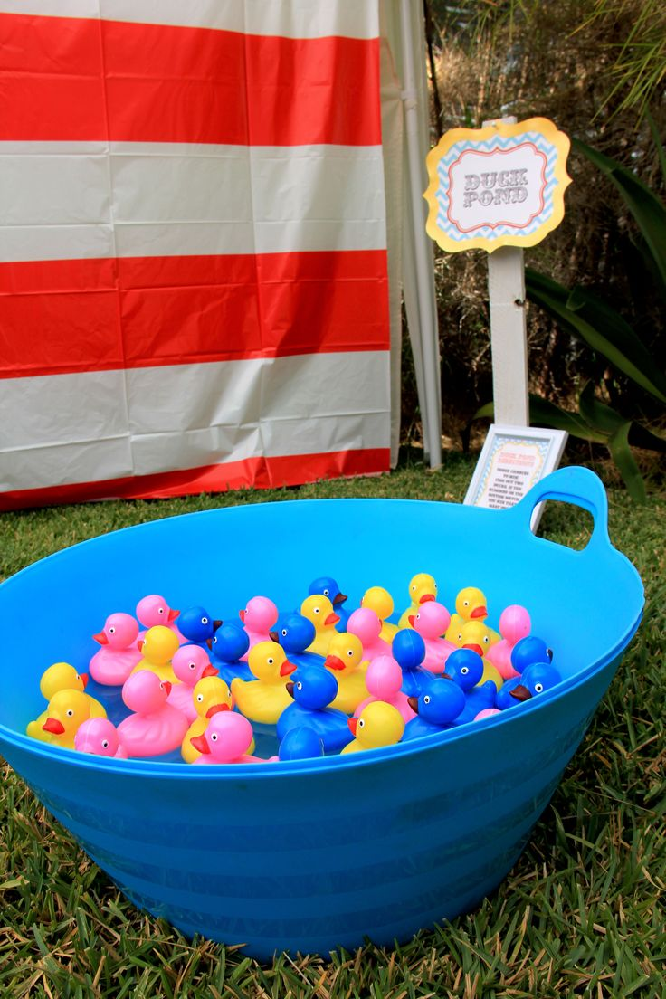 Duck pond game with magnetic fishing poles carnival for Fishing for ducks