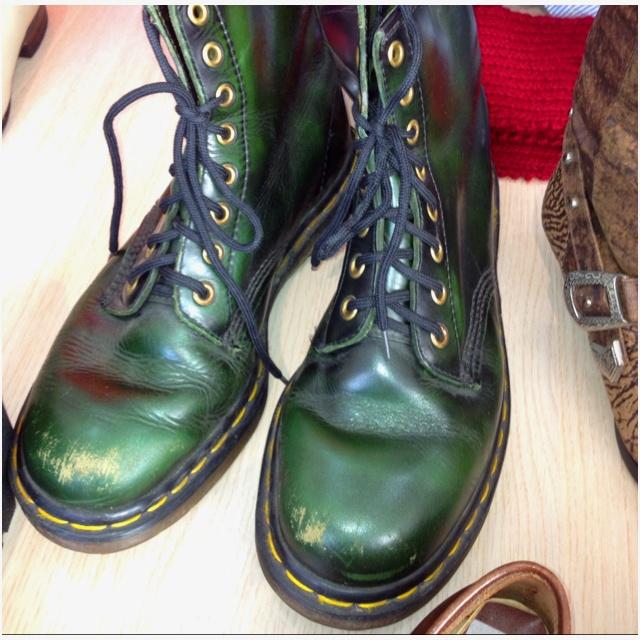 Green Dr Martens #dms #docs #drmartens #boots #vintageboots #vintage
