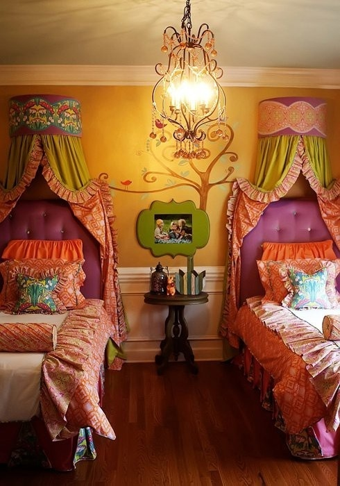 adorable little girls room! Could do a crib on on side :) perfect for 2 princesses!! @Darla Sherwood