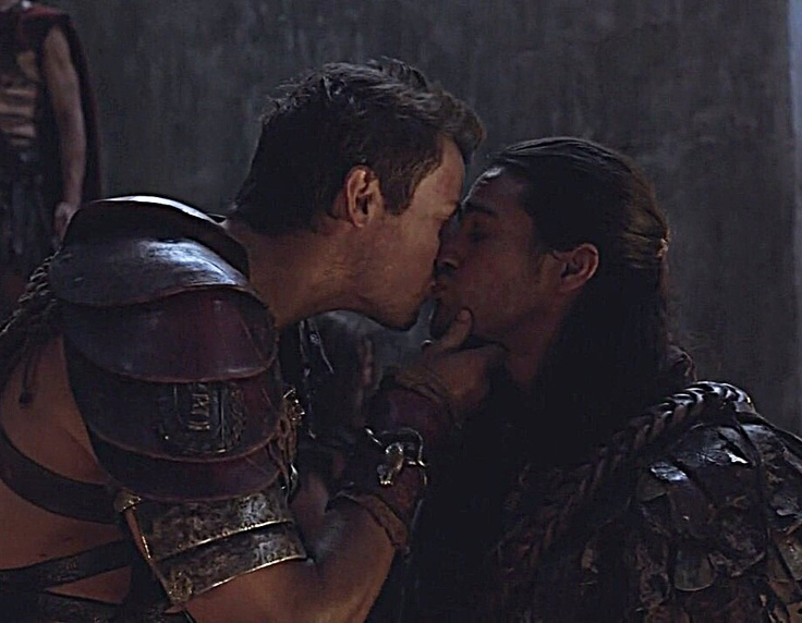 Agron and Nasir (Pana Hema Taylor)...Nagron  Spartacus:War of the Damned