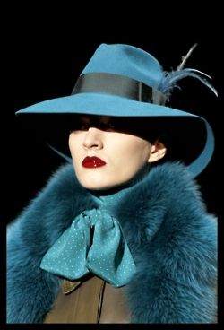 thegeniusoffashion:    fashioninquality:      Gucci Fall/Winter 2011      I'm so in love with this color and hat and fur!