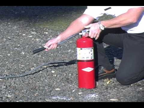 Training video for using a fire extinguisher