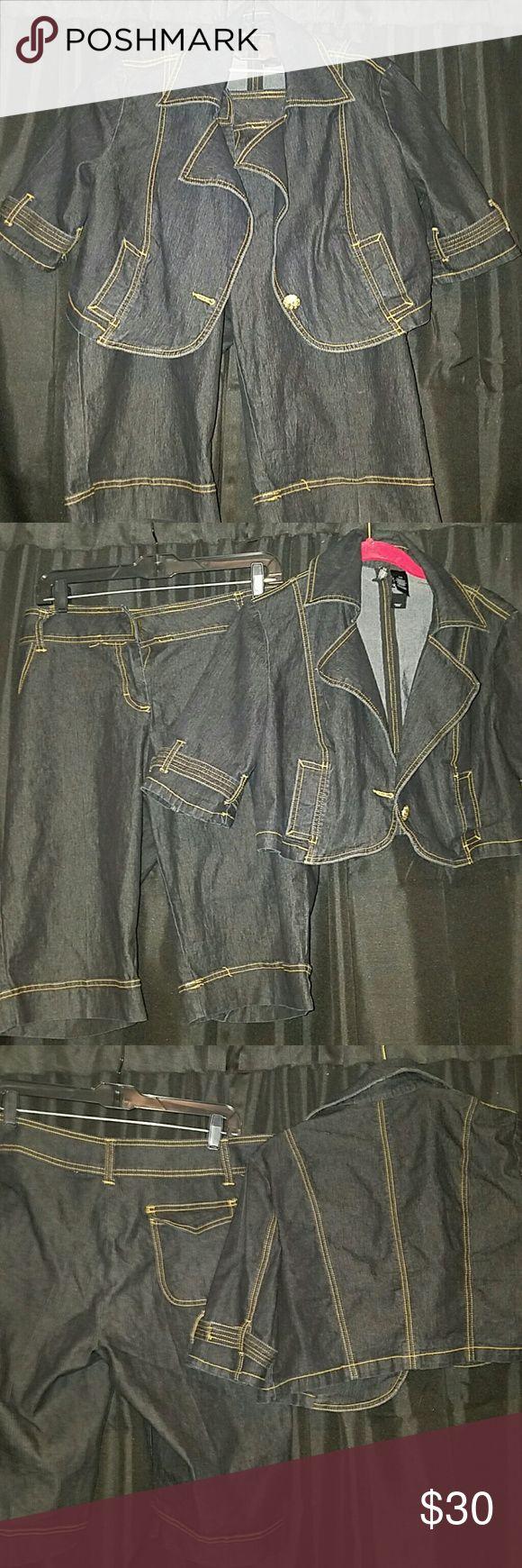 Bisou Bisou  Jean short suit Light jeans fits nice Bisou Bisou Shorts Jean Shorts