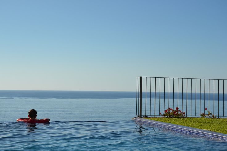 Infinity Pool Atlantic Ocean.  Relaxed and luxurous holidays.| Picture taken while staying at www.casadomiradouro.com