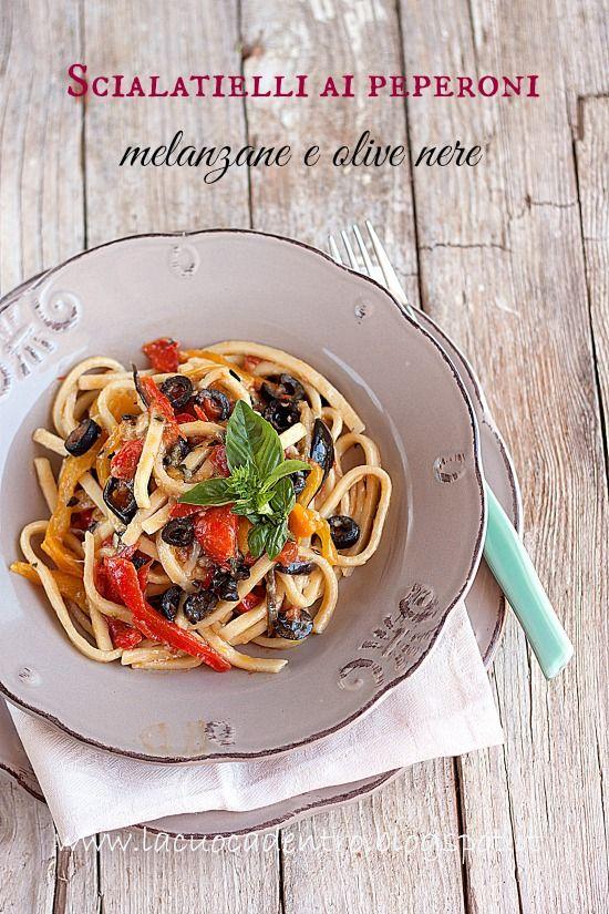 La Cuoca Dentro: Scialatielli ai peperoni, melanzane e olive nere