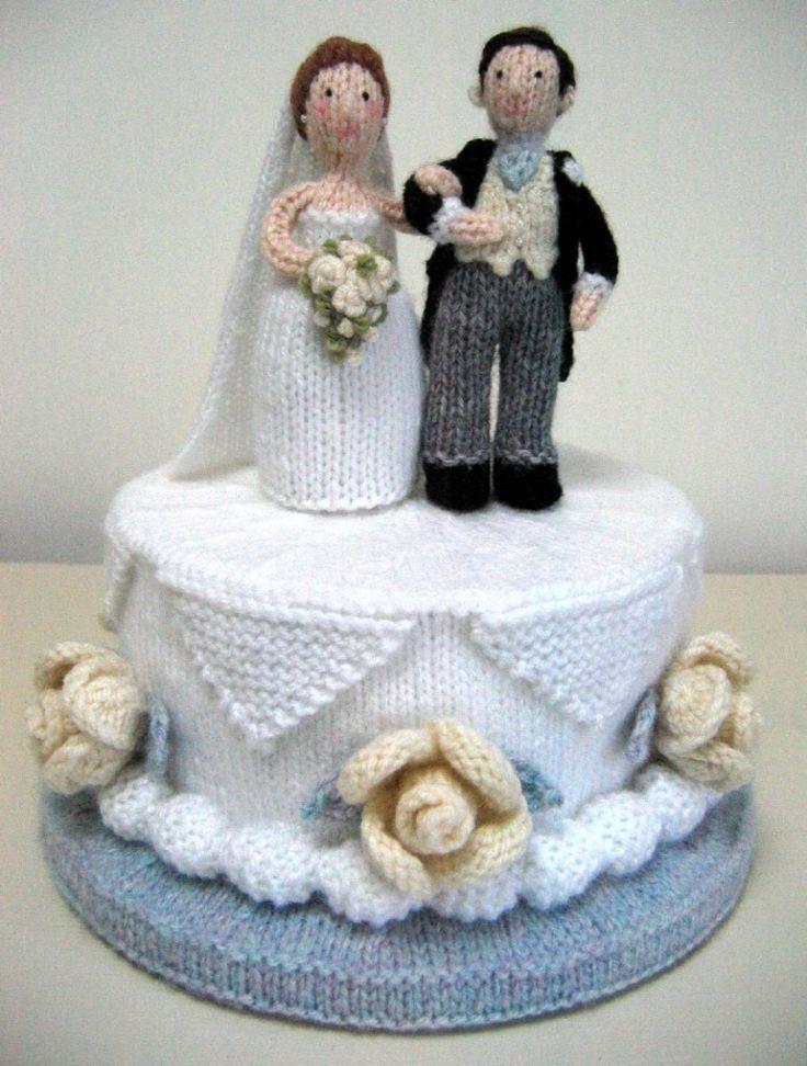 Bryllupskake for de strikkeglade. Sikkert ikke noe problem å lage to bruder eller to brudgommer hvis det passer bedre.