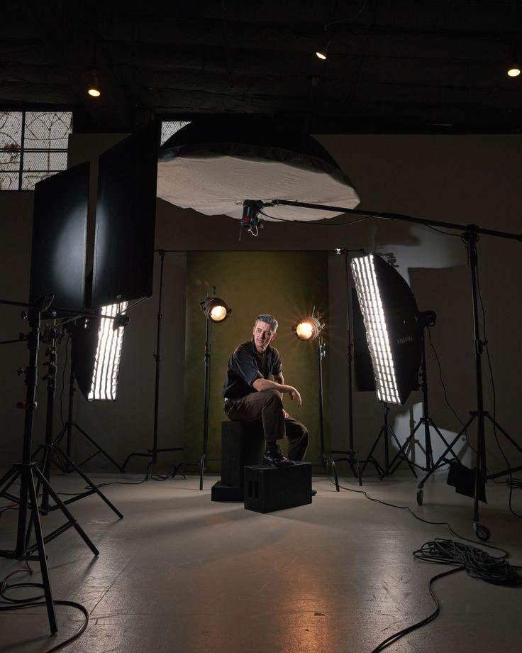 например занимаюсь свет при фотосессии на сцене сильнее