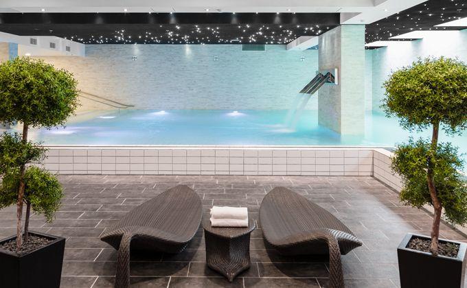 Swimming pool og sauna for hele familien, når I besøger Tivoli Hotel