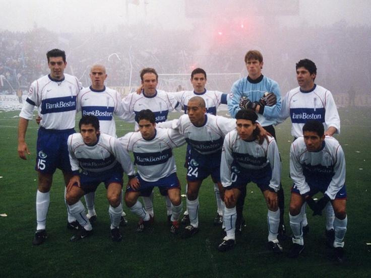 Campeón 2002. (Arriba) Segovia, Acuña, Lenci, Ramírez, Walker, Norambuena. (Abajo) Mirosevic, Álvarez, Pérez, Ormazábal, Campos.