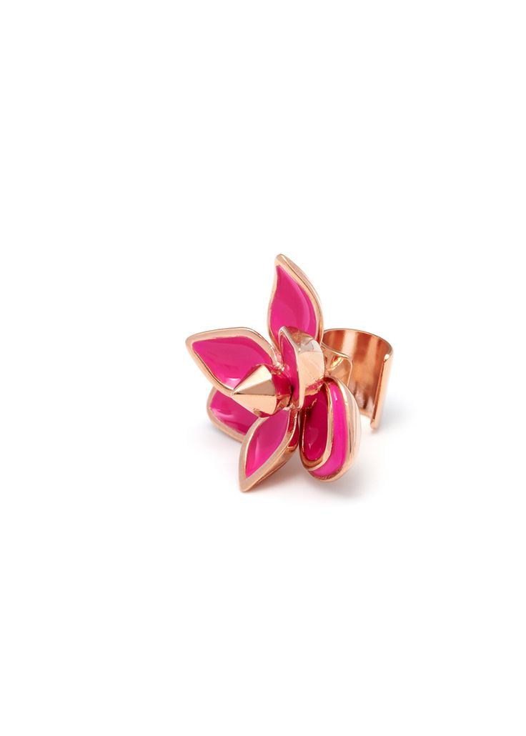 Maria Francesca Pepe Earcuff with flower Shop now> https://www.mariafrancescapepe.com/showplarge.aspx?prodid=748&catid=47&utm_source=Social&utm_medium=Pinterest&utm_campaign=SS14_earcuff_%20flower