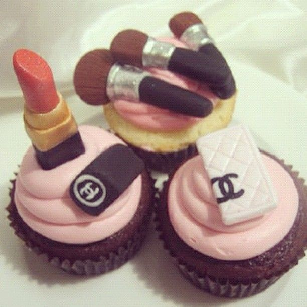 Cupcakes ChanelBirthday, Coco Chanel, Fashion Cupcakes, Parties, Food, Cups Cake, Cupcakes Rosa-Choqu, Makeup Cupcakes, Chanel Cupcakes
