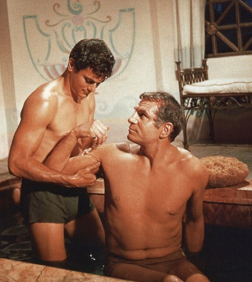 """Tony Curtis & Laurence Olivier in """"Spartacus"""""""