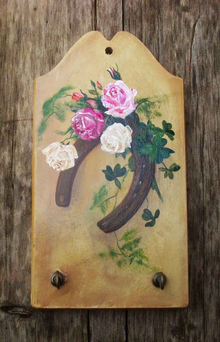 LUCKY HORSESHOE- Wooden Key Holder - Totally Handpainted by allabouthandicraft on Etsy