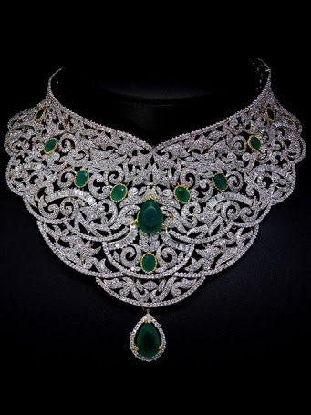 Náhrdelník - diamantový se zelenými rubíny