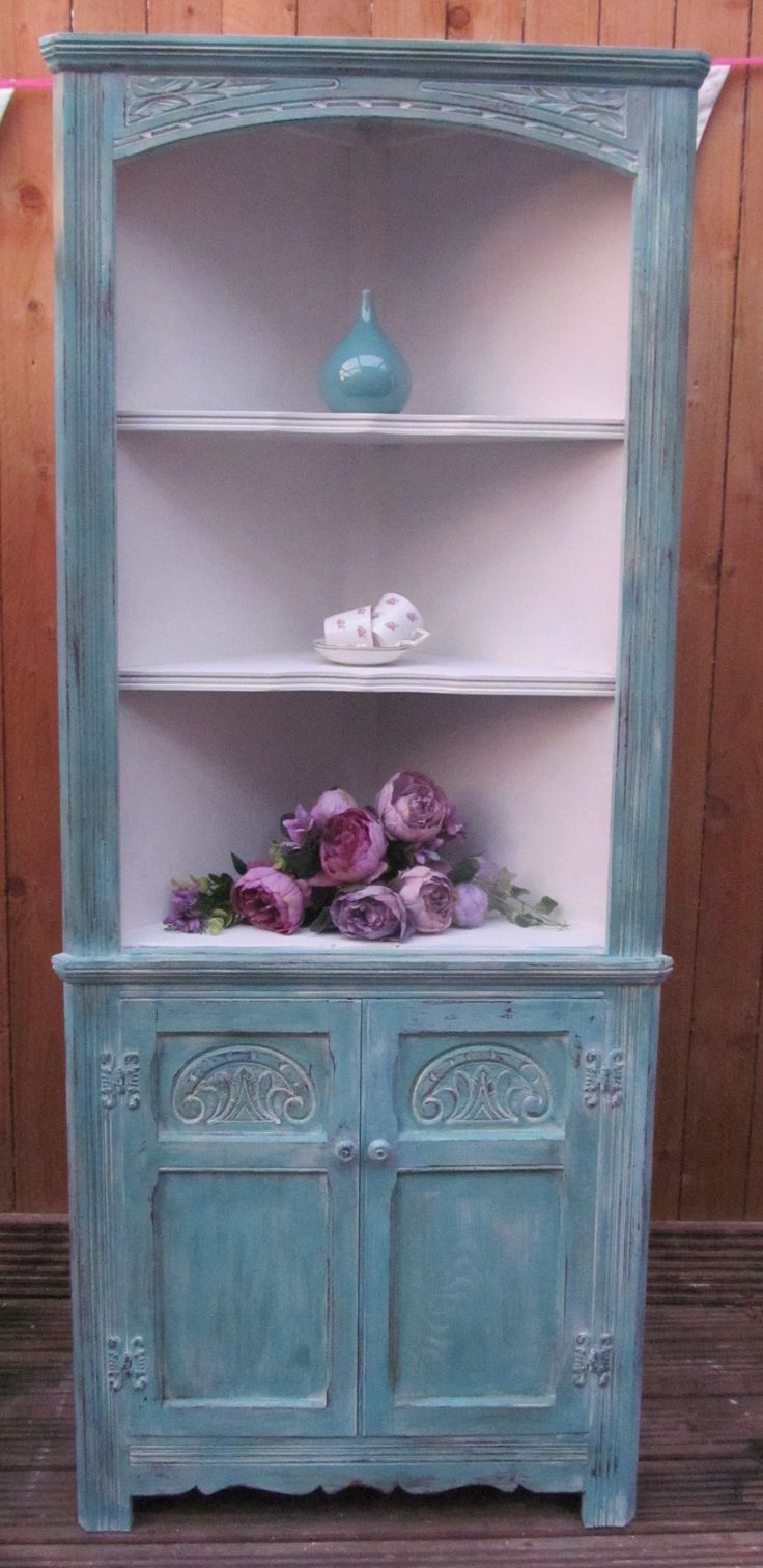 Lovely corner display unit painted in Provence over Old White, distressed and waxed with clear and dark £80
