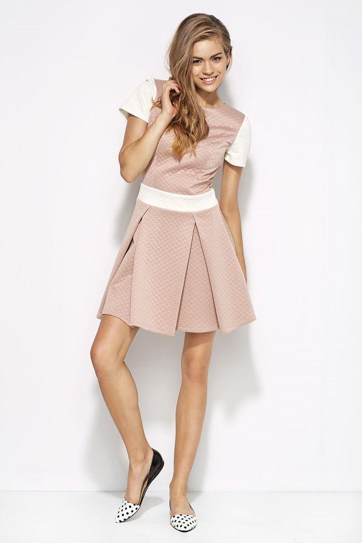 http://prestige24.sky-shop.pl/Pikowana-sukienka-z-kontrafalda-roz-ecru-AL20,p,1124
