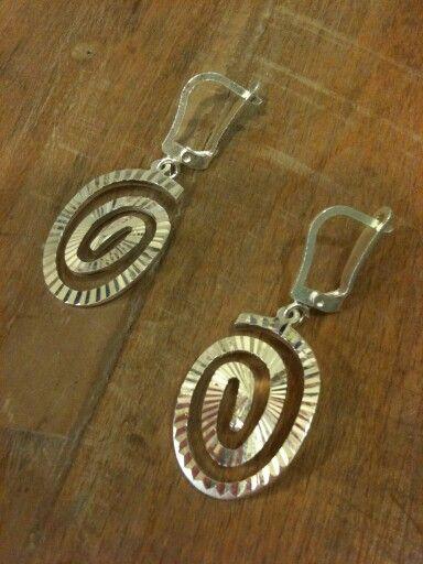 Işıltılı 925 ayar Gümüş küpelerimiz  #kupe #küpe #earrings #earring #taki #takı #takitasarim #takıtasarım #jewelrydesign #jewelry #gümüş #gumustaki #gümüştakı #silverjewelry